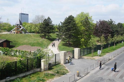 Promenade dans les espaces verts de la ville