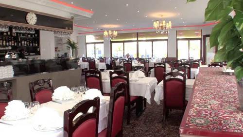 Faites connaissance dans une ambiance chaleureuse au Samsara, charmant restaurant indo-pakistanais