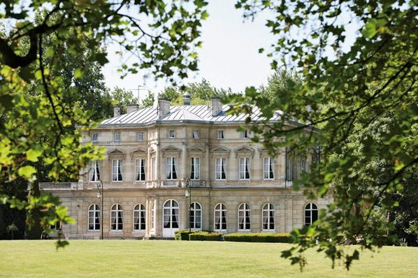 Découvrez le Château de la Motte Fénélon