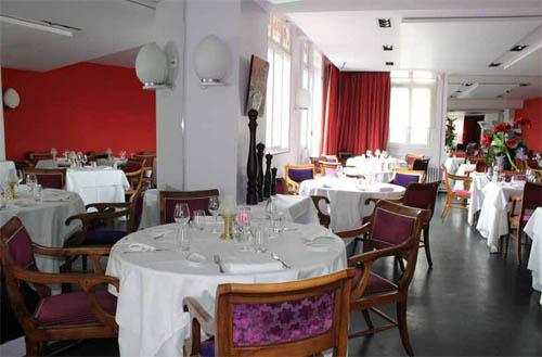 Repas gastronomique Aux Armes de France