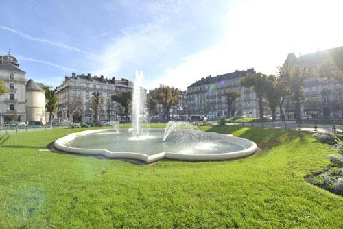 Détente sur la Place Victor Hugo