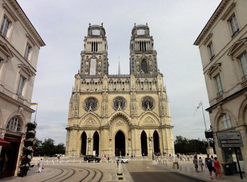 Découvrez la Cathédrale Sainte-Croix