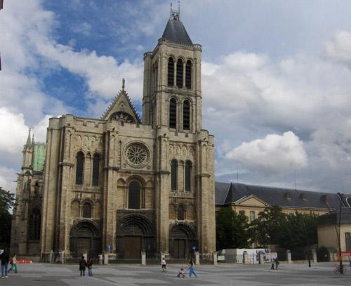 Visitez la magnifique Basilique de Saint-Denis